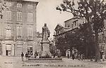 Le haut du Cours Mirabeau et la statue du Roi René
