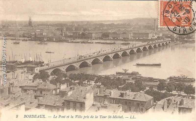 Le pont et la ville pris de la tour St Michel