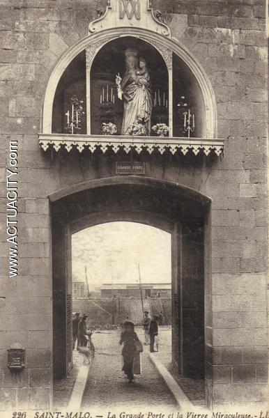 Cartes postales anciennes de saint malo 35400 actuacity for Porte de garage saint malo