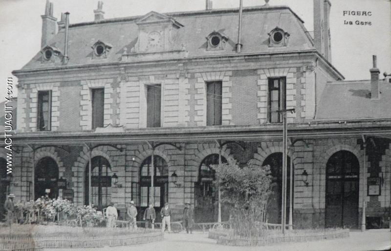 Cartes postales anciennes de figeac 46100 actuacity for Bureau de poste 13 rue d anjou