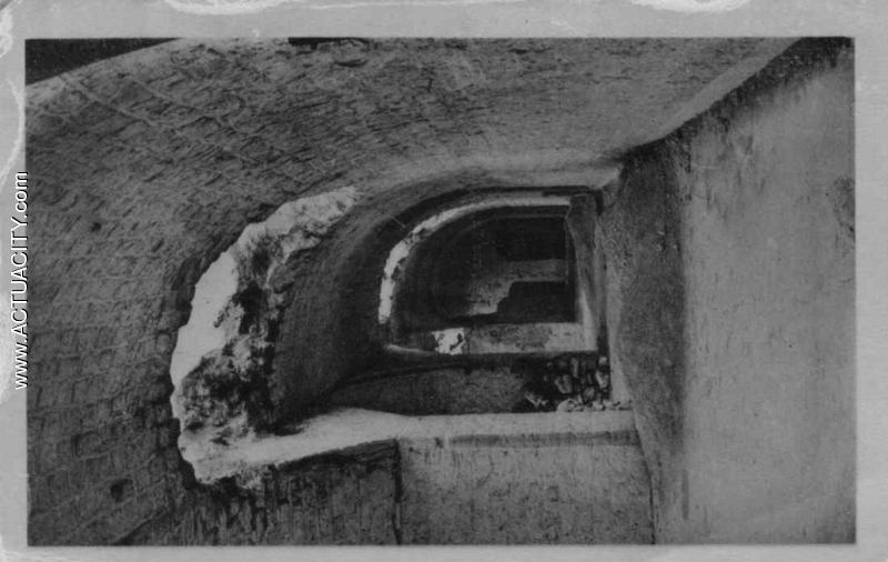 interieur du fort. AllŽe centrale Freville