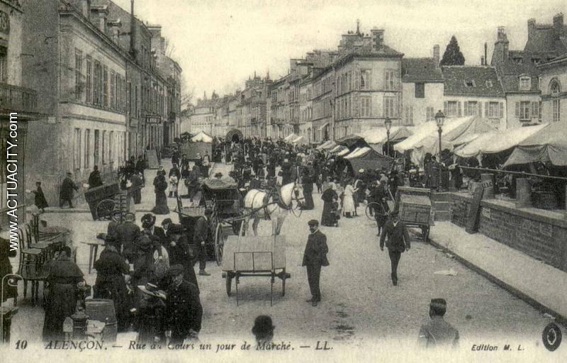 Jour de marché à Alençon, carte postale ancienne