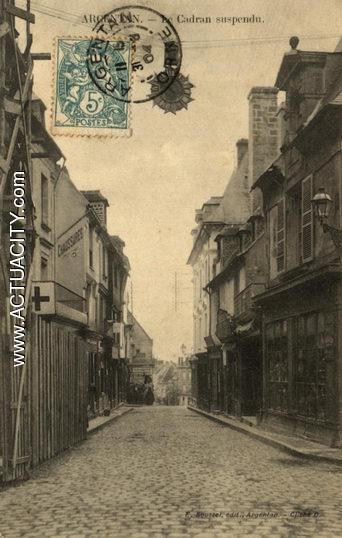 N&B-00-Le cadran suspendu (La rue St Germain)