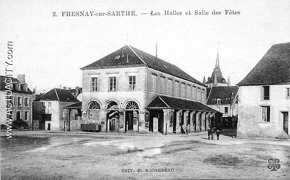 Les Halles et Salle des Fêtes
