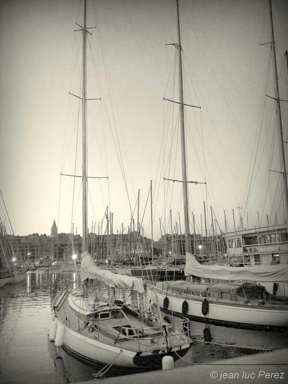 Les yeux d`avant, le vieux port Marseille